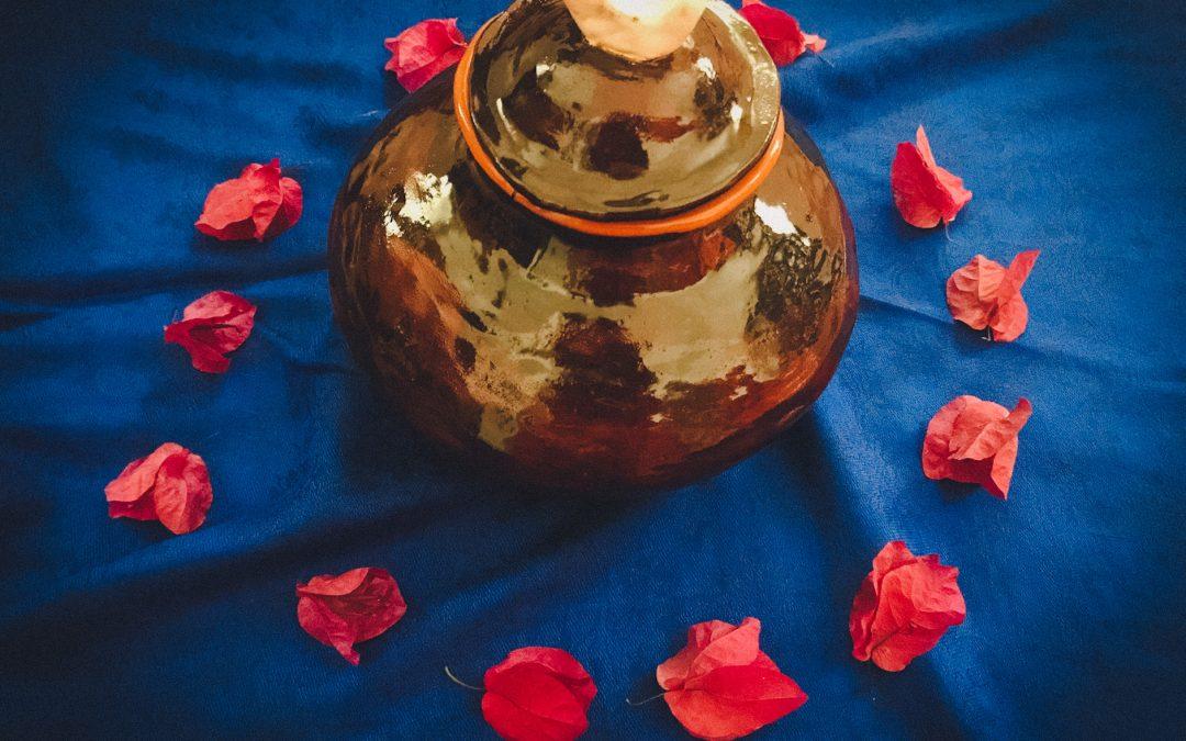 """✦ """"Plantar a Lua"""" – A Ritualização do Sangue Sagrado"""